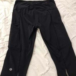 Black Cropped Lululemon Leggings Size 6